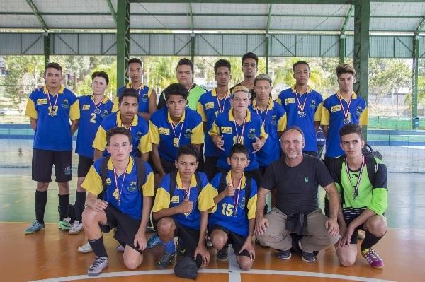 Escolas de Cotia recebem medalhas nos Jogos Escolares