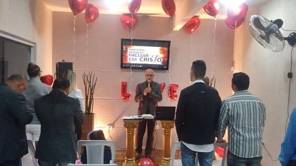 Igreja evangélica em Carapicuíba orienta sobre casamento gay
