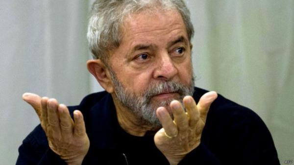 Temer e Aécio criaram clima de ódio no país, afirma Lula
