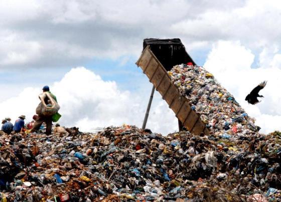 Governo de São Paulo aperta cerco para fechar 43 'lixões' no estado