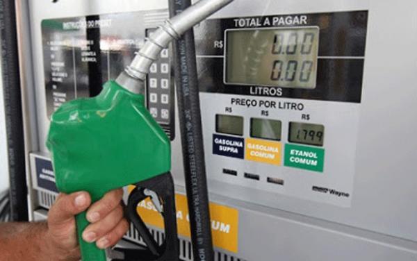 Justiça manda suspender decreto que aumentou imposto sobre gasolina no País