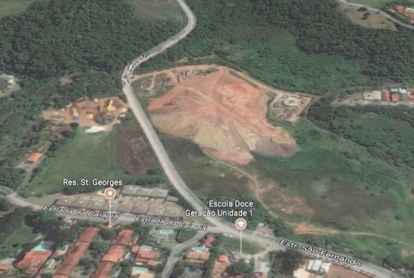 Área equivale à 440 quadras de tênis. Reprodução aéria do Google Maps / 2017.