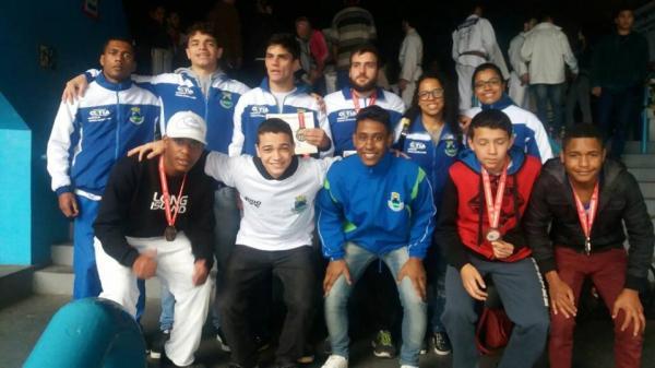 Judocas de Cotia garantem vaga na final do Paulista Inter-regional