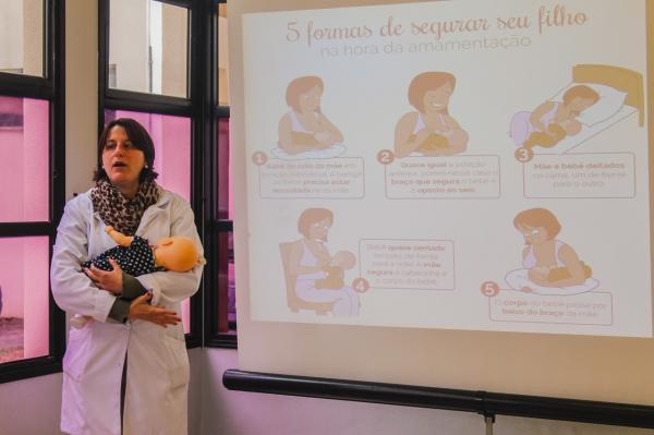 Palestra para gestantes marca o Mês da Amamentação em Cotia