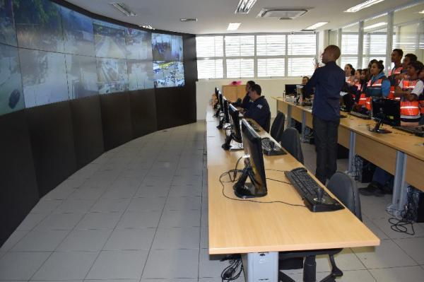 Agentes mirins visitam Secretaria de Segurança de Barueri