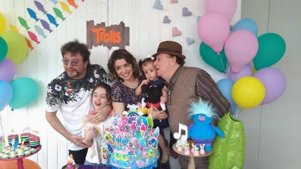 Raul Gil comemorou os dois anos da Neta Ana Clara