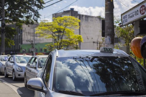 Entre os dias 22 e 28/02, taxistas devem agendar vistoria obrigatória junto à Settrans