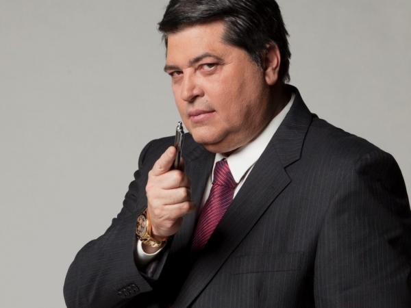 Datena deixa 'Brasil Urgente'; programa será comandado por filho do apresentador
