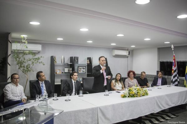 Prefeitura de Cotia formaliza implantação da Guardiã Maria da Penha