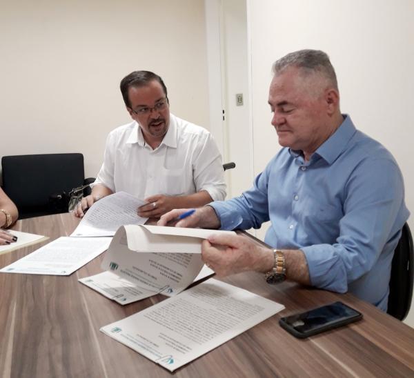 Apae de Cotia assina convênio com Prefeitura de Vargem Grande Paulista