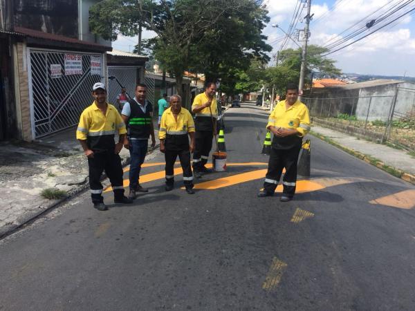 Funcionários da Settrans recebem uniformes