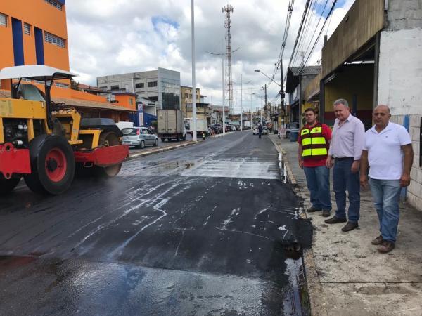 Prefeitura de Cotia implanta seis faixas elevadas, na Joaquim Barreto