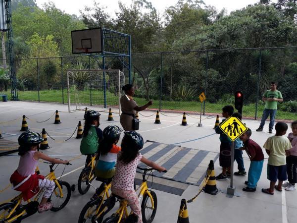 Campanha de educação no trânsito inicia as atividades do ano, em Cotia
