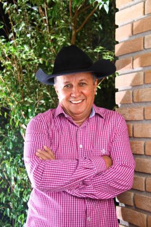 Valtinho Pereira será homenageado com título de 'Cidadão Cotiano' neste sábado