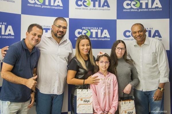 Fundo Social faz mais uma entrega de óculos pelo Projeto Novo Olhar