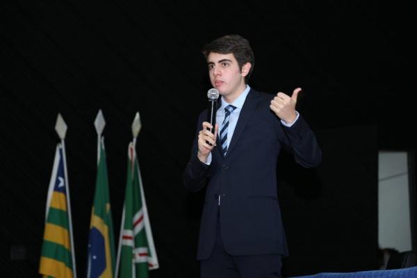Aos 18 anos, estudante de Brasília se torna o advogado mais jovem do Brasil
