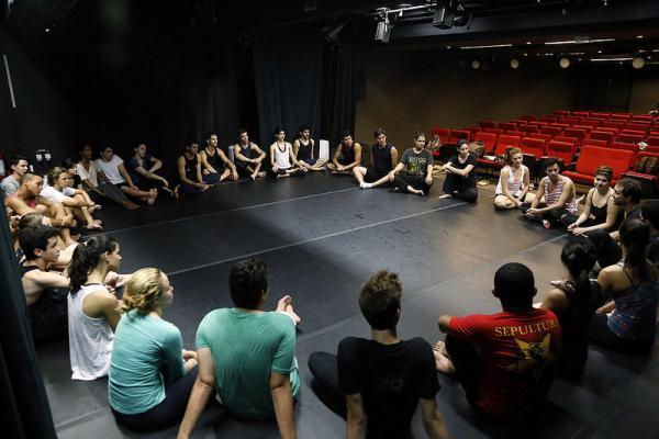 SESI-SP abre inscrições para curso gratuito de teatro