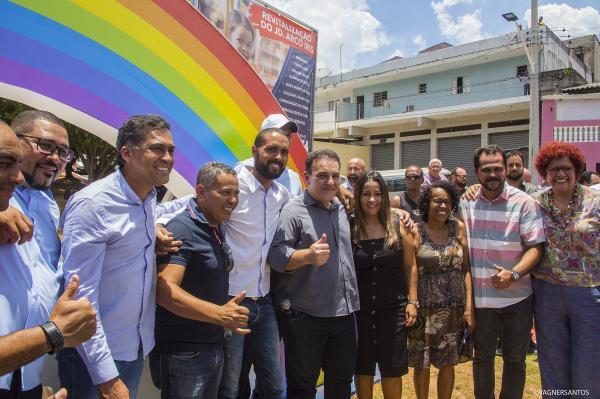 Prefeito Rogério Franco entrega o 'novo' Jardim Arco-Íris para a população