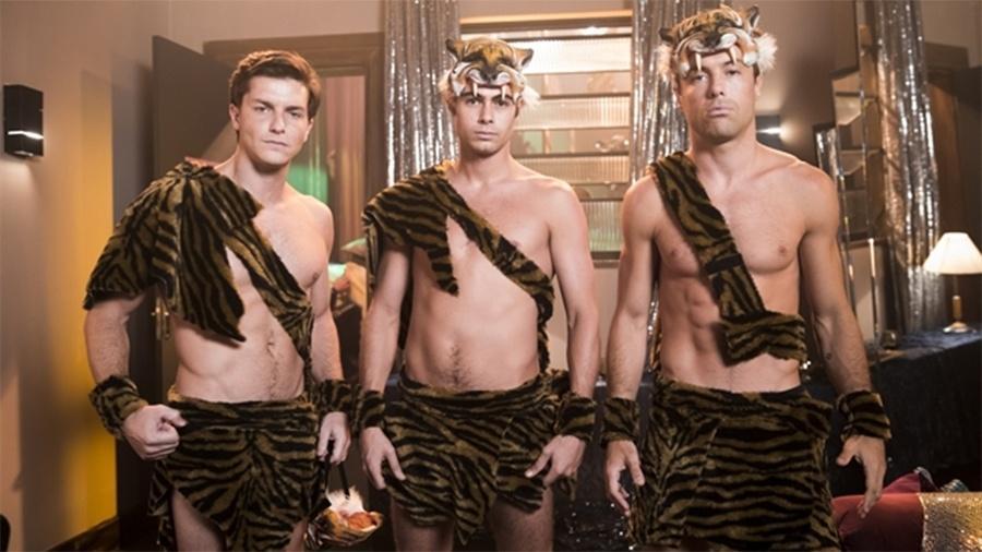 GLOBO: Em Verão 90, João, Candé e Patrick viram gogoboys Tigres Siberianos