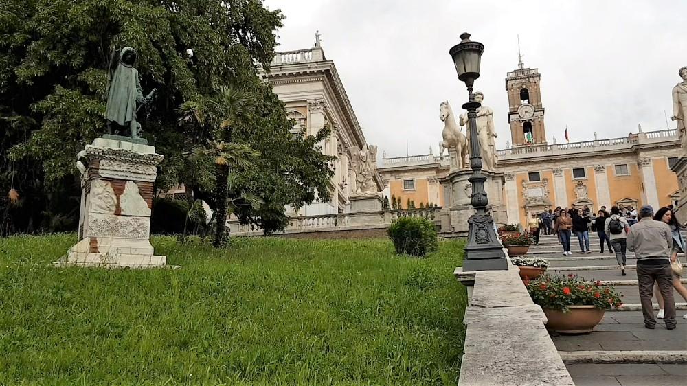 """O """"Orador de Roma"""" que nasceu para ser líder e morto pelo povo."""