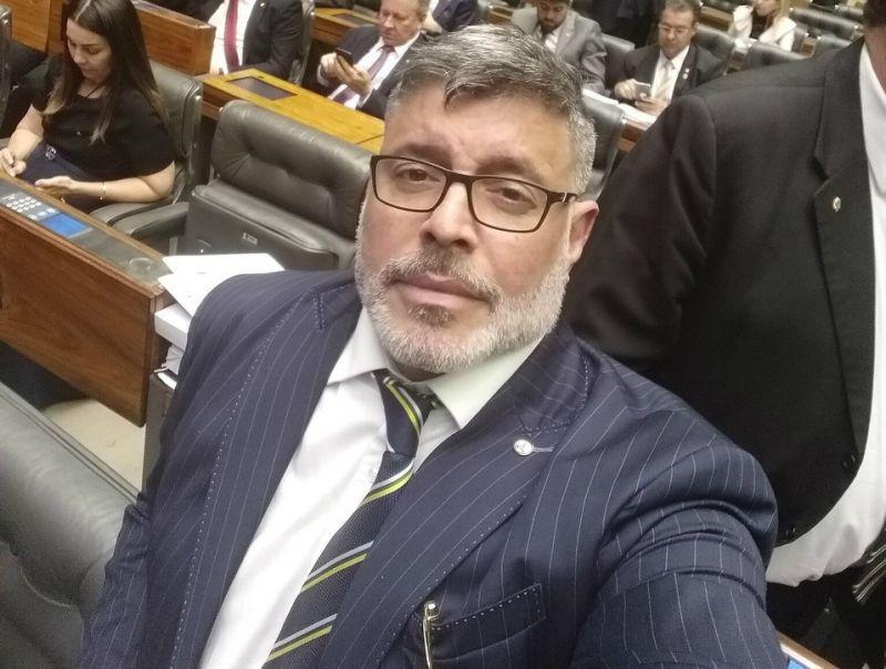 Frota pede afastamento de Eduardo Bolsonaro da presidência do PSL de SP