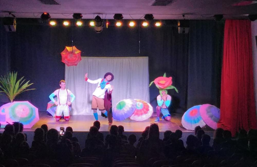 Dia 7/06 tem teatro com 'A viagem de uma estrela' para centenas de alunos de Cotia