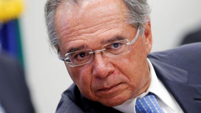Paulo Guedes, ministro da Economia, disse que o governo estuda liberar saques do FGTS