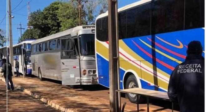 Operação apreendeu 19 ônibus com R$ 4 milhões em contrabando no PR