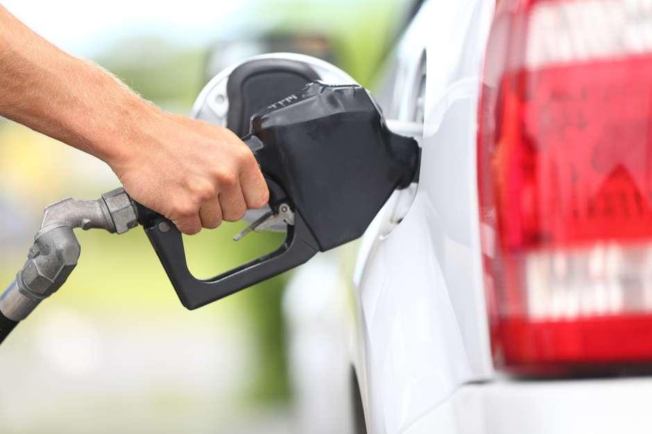 MEU CARRO: Consumo alto de combustível pode ser problemas simples