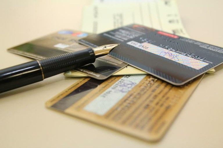 Pagamento eletrônico cresce enquanto cai uso de cheque