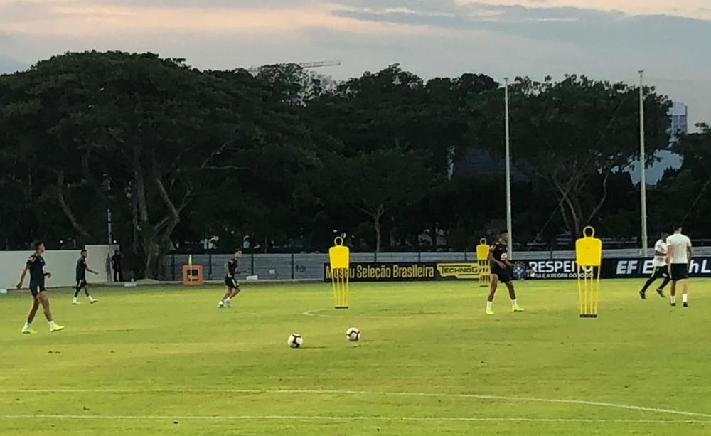 Com grupo completo, Tite treina com Coutinho, Neymar, Jesus e Firmino de olho em Mané