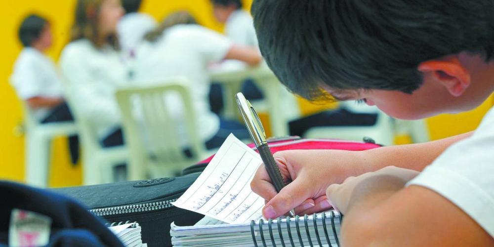Mensalidade escolar mais que dobrou em sete anos e deve ter novo aumento