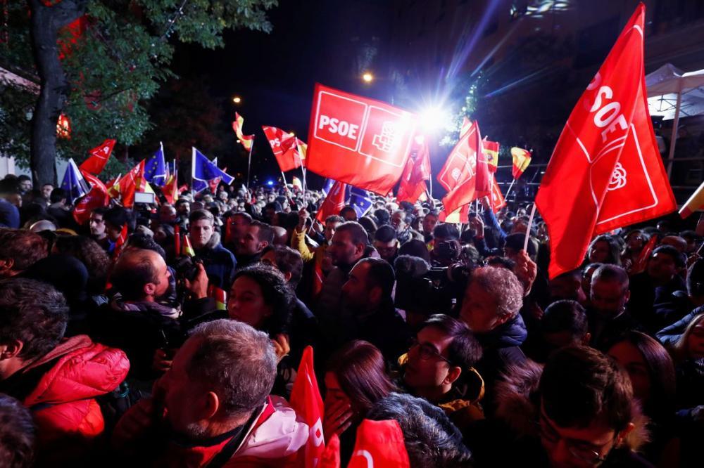 Socialistas vencem eleições na Espanha mas perdem força política
