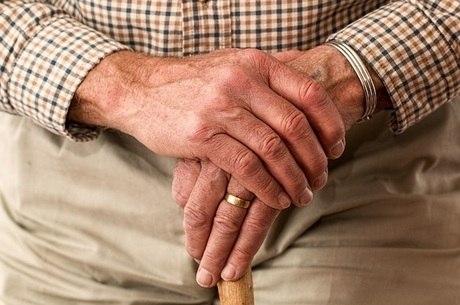 Expectativa de vida do brasileiro cresce para 76,3 anos