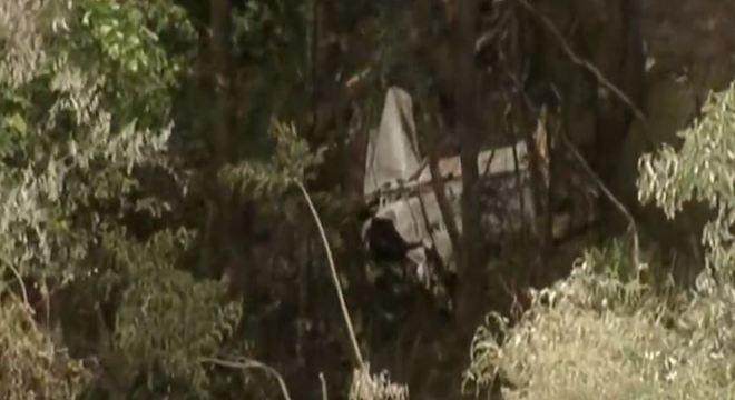 Avião desaparecido cai em região de mata na Serra da Cantareira (SP)