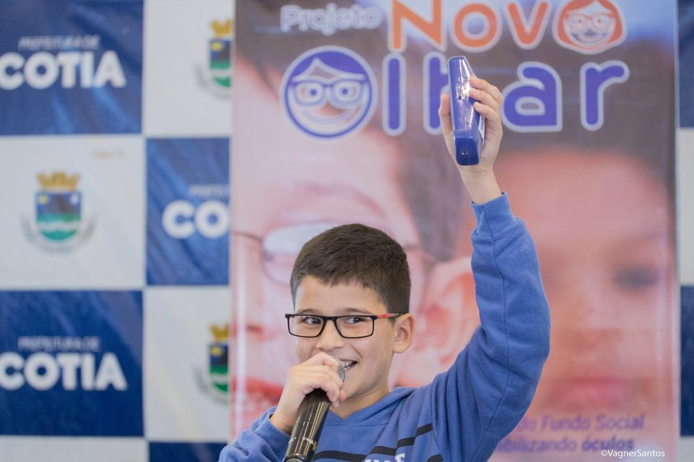 Prefeitura e FS realizam mais uma entrega de aparelhos auditivos e de óculos