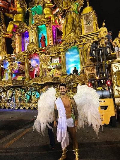 Marcos Aurélio Freitas Franco é destaque no carro alegórico da Escola de Samba Tom Maior em São Paulo