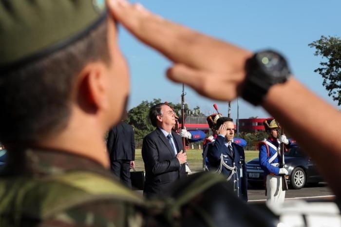 Militares receberam auxílio emergencial de R$ 600 de forma irregular