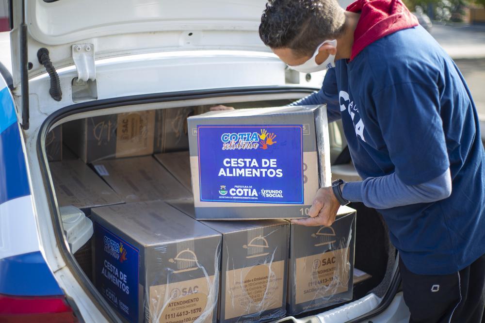 Cotia solidária recebe mais doações de Epi's e outros itens que ajudarão a enfrentar a pandemia