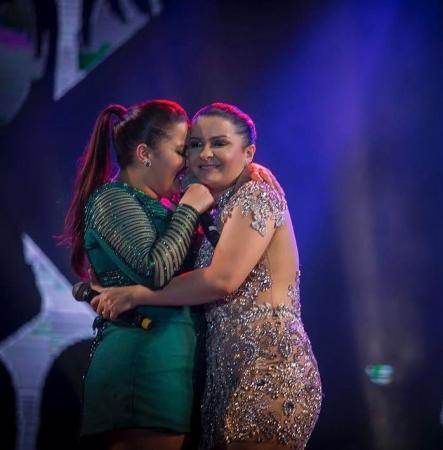 Maiara e Maraisa se despediu dos fãs dançando funk em Carapicuíba