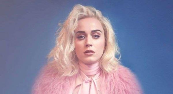 Katy Perry deixa recado para fãs brasileiros e assunto vira Trending Topics: