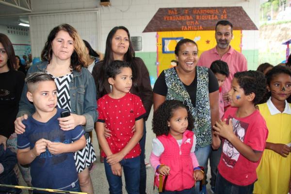 """Projeto """"Minha Família na Escola"""" aproxima alunos, pais e educadores"""