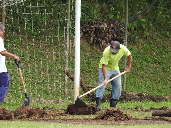 Secretaria de Esportes prepara campos para o futebol amador