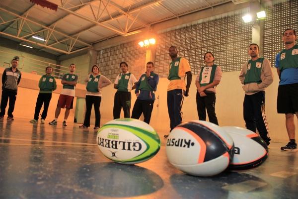 Professores de educação física de Itapevi participam de curso de rugby