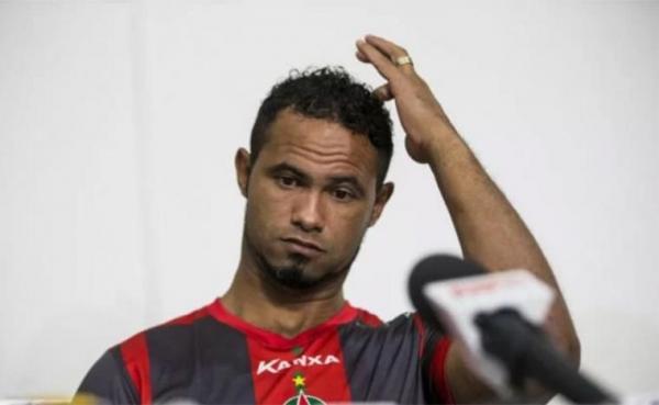 STF decide que goleiro Bruno deve voltar à prisão imediatamente