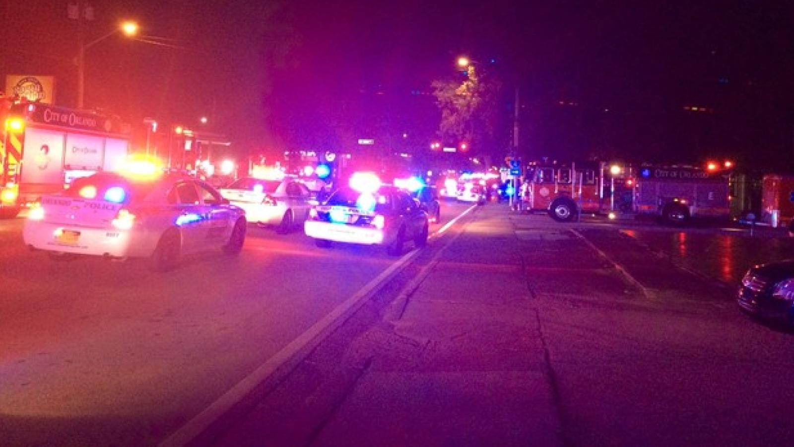 Atirador invade boate gay em Orlando, nos EUA, e faz 50 vítimas