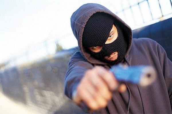 Onda de assaltos assusta comerciantes do bairro Atalaia
