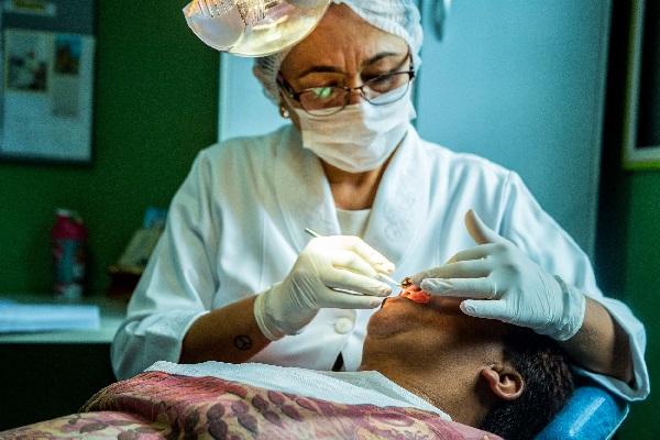 Programa Saúde Bucal resgata sorriso de cotianos