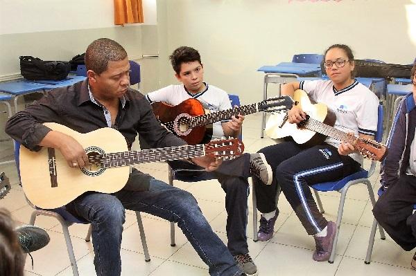 Parceria entre Educação e Cultura leva muita arte aos alunos da rede de Barueri