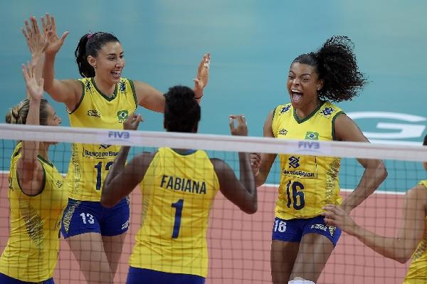 RedeTV! transmite amistoso da seleção brasileira feminina de vôlei - nesta quinta (1)